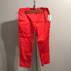 ⬇️NWT RED CAPRI PANTS